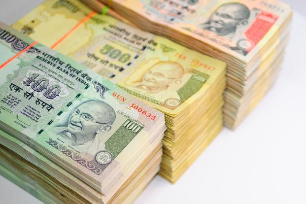 Govt, RBI fighting a losing battle on rupee